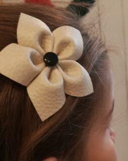 Peigne fleur blanche