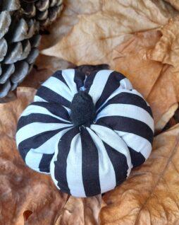 Citrouille décorative – Rayée blanche et noire S